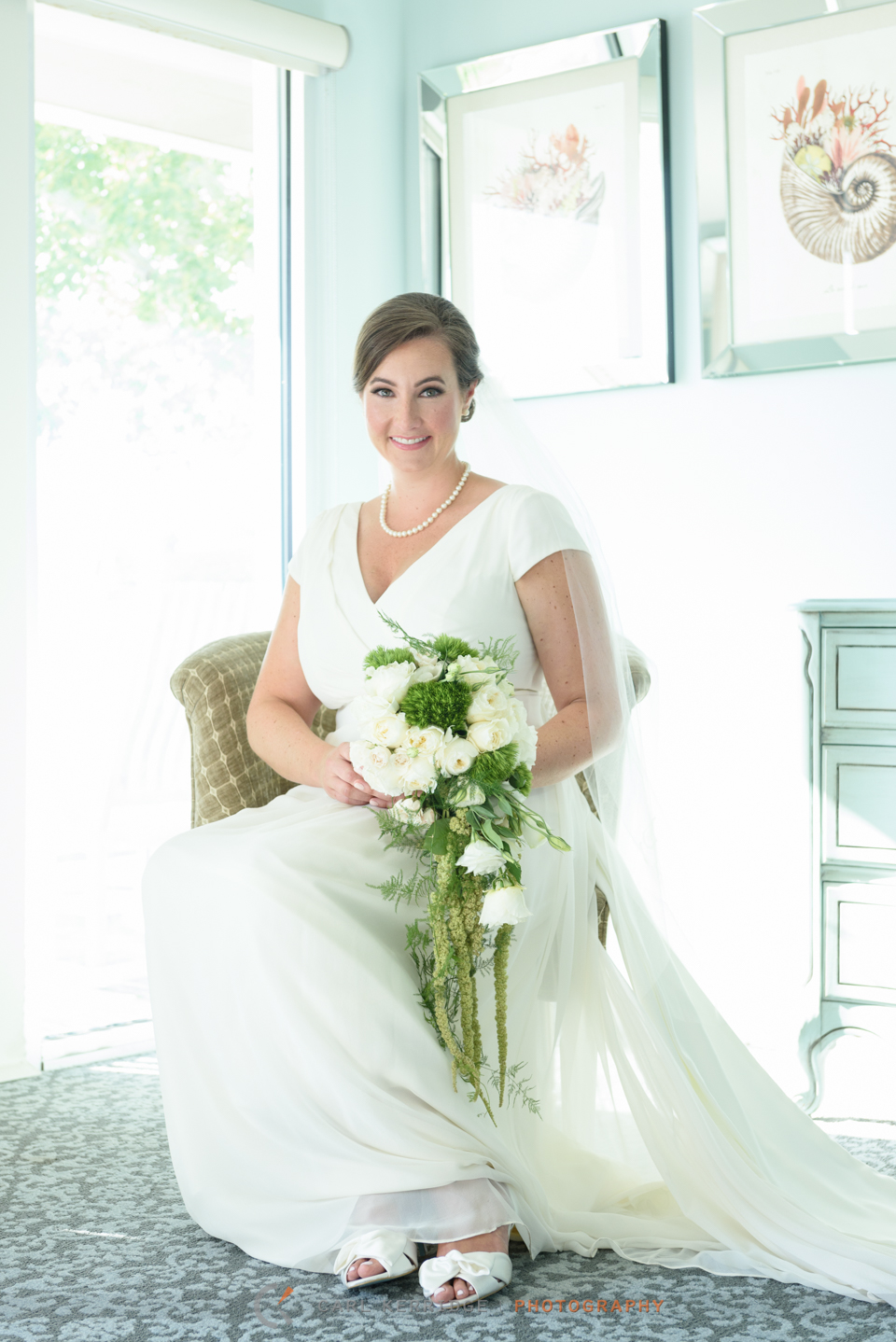 a traditional bridal portrait for this elegant wedding